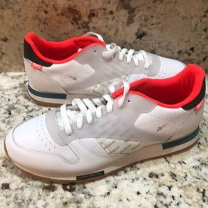 Reebok Men's classic Leather Altered